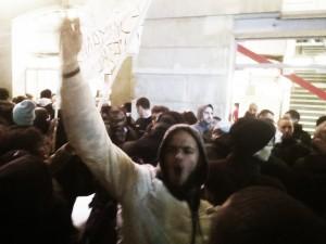 a l'entrée du théatre Gerard Philipe le 27 novembre 2014